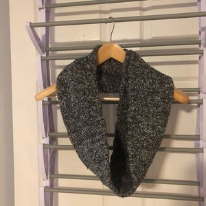 GAP grey infinity scarf